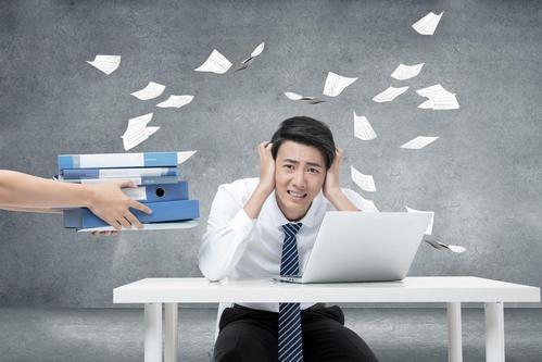 职场自信很重要,看自信的人如何在职场风生水